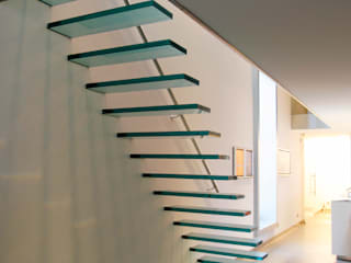 ​EeStairs® Glass Staircases de EeStairs | Stairs and balustrades Minimalista Vidrio
