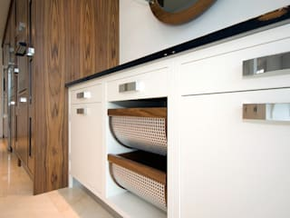 Kitchens made in Harrogate by Inglish Design:   by INGLISH DESIGN