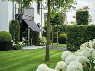 Ein eleganter klassischer Garten Klassischer Garten von Ecologic City Garden - Paul Marie Creation Klassisch
