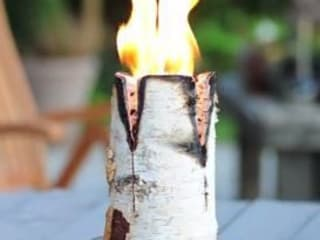 Candle Logs make a great outdoor evening party. van Greige Rustiek & Brocante