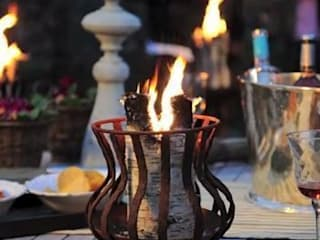 Candle Logs make a great outdoor evening party. de Greige Escandinavo