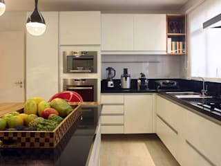Lucia Navajas -Arquitetura & Interiores 現代廚房設計點子、靈感&圖片