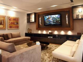 Гостиная в стиле модерн от Lucia Navajas -Arquitetura & Interiores Модерн