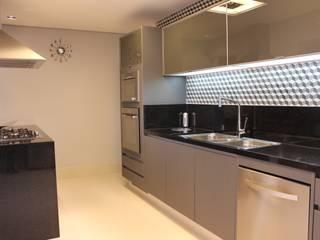Kitchen by ALME ARQUITETURA, Modern