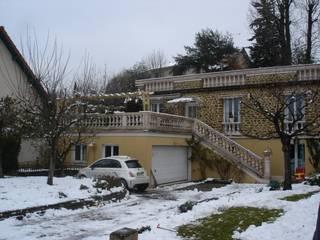 Terrasse existante avant extension:  de style  par Desclaux thierry