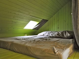 Trek-in - duurzame Trekkershut: moderne Slaapkamer door Kristel Hermans Architectuur