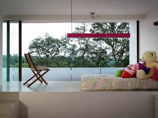P& B Dormitorios modernos de homify Moderno