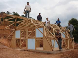 CASA MI Vivienda Emergente: Casas de estilo  por COOP
