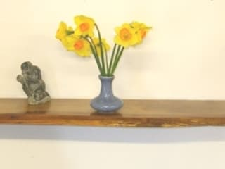 Chunky Solid Oak Floating Shelves von Something Wood Rustikal