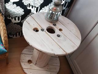 Touret table basse en bois blanc patiné par Artodeco Industriel