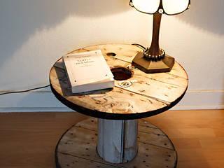 Petit touret en bois rénové:  de style  par Artodeco