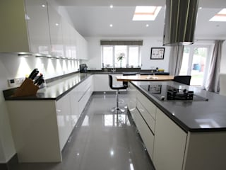 Modern English Gloss AD3 Design Limited Modern kitchen