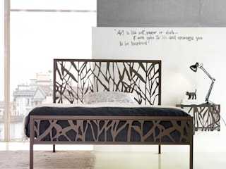 'Green' wrought iron bed with headboard by Cosatto di My Italian Living Moderno