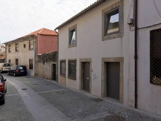 Maisons de style  par Paulo Freitas e Maria João Marques Arquitectos Lda, Minimaliste