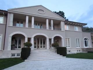Garden House Lazzerini Casas de estilo clásico Mármol Beige