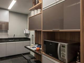 Cocinas de estilo moderno de Nara Cunha Arquitetura e Interiores Moderno