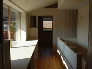 長森の家: ELEPHANTdesignが手掛けた書斎です。