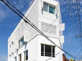 Modern houses by 스마트건축사사무소 Modern