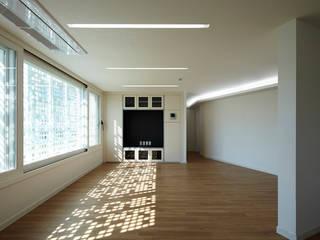 Wohnzimmer von 스마트건축사사무소