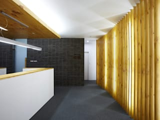 Modern study/office by 스마트건축사사무소 Modern