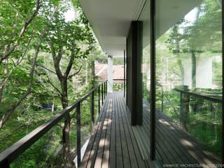 バルコニー~035カルイザワハウス: atelier137 ARCHITECTURAL DESIGN OFFICEが手掛けたベランダです。
