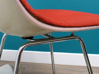 Chaise DSX Eames rouge:  de style  par VcommeVintage