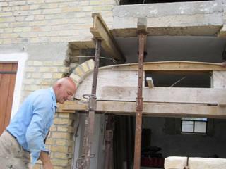 Ristrutturazione casa unifamiliare a Sacile:  in stile  di MSC Costruzioni