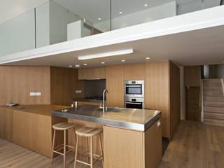 De Vere Gardens Modern kitchen by Viewport Studio Modern