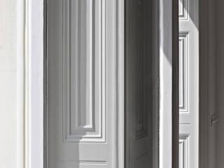modern  door Viewport Studio, Modern