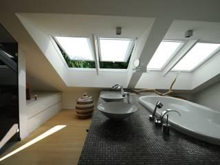 Eclectische badkamers van PlanWerk Nowoczyn Architekten Eclectisch