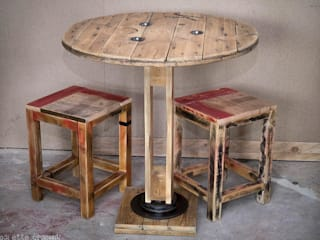 Table et tabourets par Palettegraphik Industriel