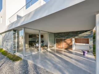 Estudio A+3 Modern style balcony, porch & terrace
