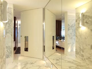 Corridor & hallway by Rodrigo Maia Arquitetura + Design