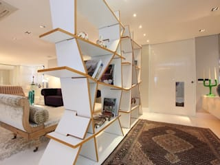 Corridor, hallway by Rodrigo Maia Arquitetura + Design