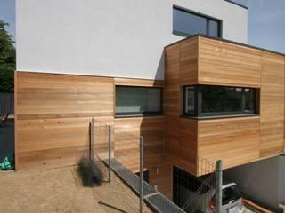 """Asse """"BEGO"""": Maisons de style de style Minimaliste par DATAscs"""