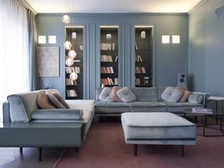 Salon classique par Studio Andrea Castrignano Classique