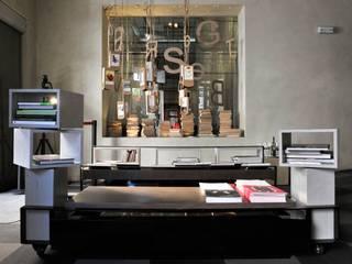 Chiavi di lettura - installation in hotel Vincci Soho Madrid Simona Garufi Espacios comerciales de estilo industrial