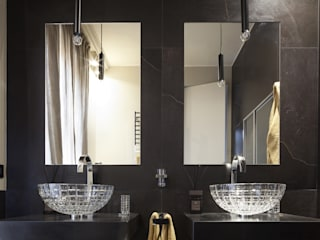 Il bagno padronale LUI : Bagno in stile  di Studio Andrea Castrignano