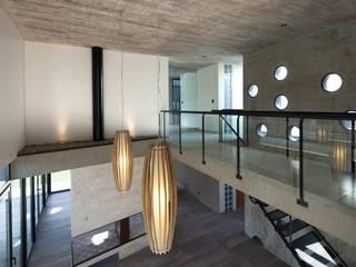 Corridor & hallway by DMS Arquitectura
