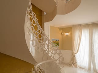 Casa unifamiliare di Studio di Urbanistica ed Architettura Classico