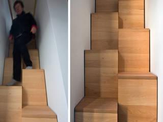 Pasillos, vestíbulos y escaleras de estilo escandinavo de Magdalena Zawada Escandinavo