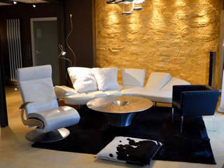 Wohnen: moderne Wohnzimmer von DRECHSLER INTERIORS