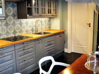 Eklektyczna willa wielorodzinna: styl , w kategorii Kuchnia zaprojektowany przez Pracownia Architektury Wnętrz Hanny hildebrandt,