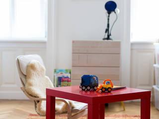 Micro Bulb Junior Tischlampe- Blau - Kinderzimmer:   von REBLAU Design