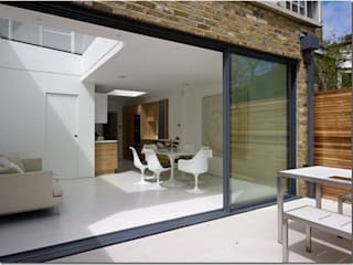 Rear Extension, De Beauvoir, London 미니멀리스트 다이닝 룸 by Gullaksen Architects 미니멀
