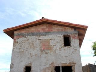 Casas rústicas de CUTECMA Estructuras de madera Rústico