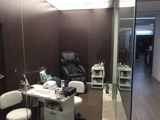 Centro de estética Desiree Beauty:  de estilo  de Casada Health & Beauty