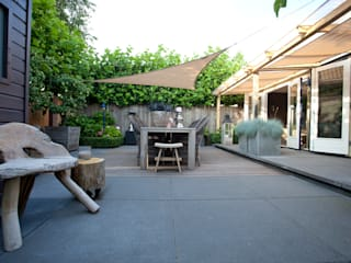 Rustic style garden by Dutch Quality Gardens, Mocking Hoveniers Rustic