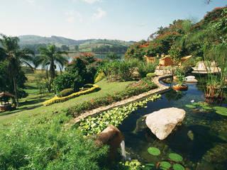 Eduardo Luppi Paisagismo Ltda. Rustic style garden