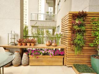Terrasse de style  par Eduardo Luppi Paisagismo Ltda., Éclectique
